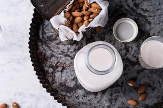 almond-milk_05