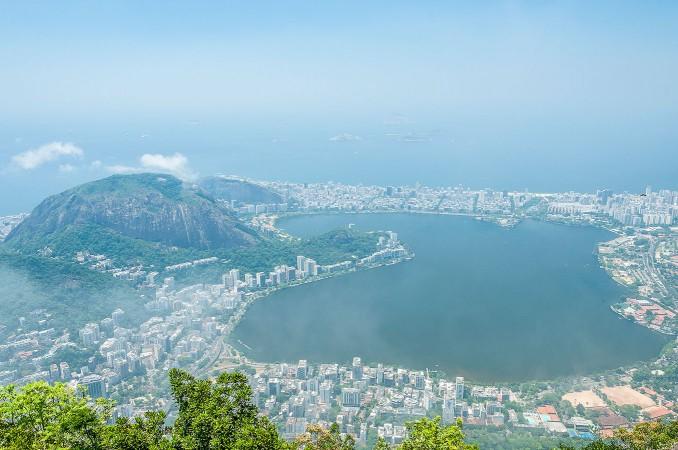 Vista del Lago Rodrigo de Freitas dal monte Corcovado